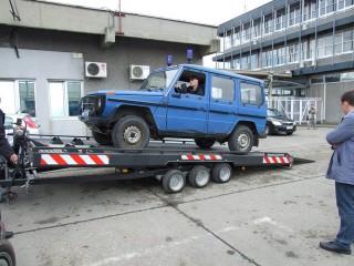 UNIT O2, prevoz policijskih automobila 1