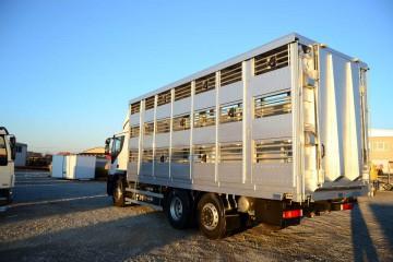 UNI CARGO ANIMAL prevoz živih životinja sa rampom 3