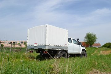 UNI CARGO TARPSIDES, Isuzu Monster truck D Max 2