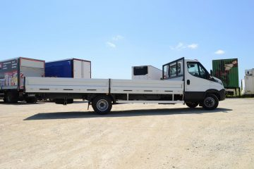 UNI CARGO SIDES Iveco bruto 7t 4