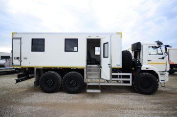 UNIC nadogradnja za prevoz rudara sa 24 sedišta i prostorom za odlaganje alata 2
