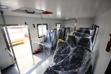 UNIC nadogradnja za prevoz rudara sa 24 sedišta i prostorom za odlaganje alata 5