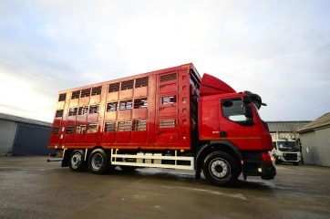 UNI CARGO ANIMAL nadogradnja za prevoz živih životinja II nivoa 3