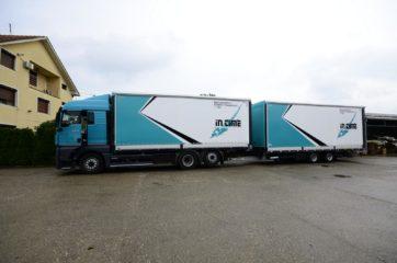 UNI CARGO TARPSIDES kamion bruto 26t i Schmitz prikolica 18t bruto mase