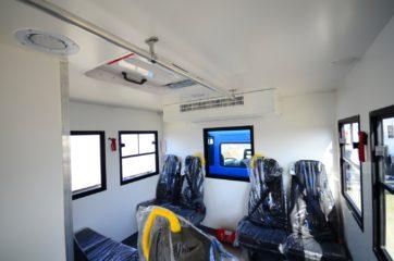 UNIC nadogradnja za prevoz rudara sa 10 sedišta i prostorom za odlaganje alata