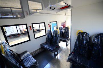 UNIC nadogradnja za prevoz rudara sa 10 sedišta i prostorom za odlaganje alata 7