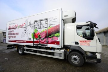 UNIC za prevoz mesa i 5 redova klaničnih glajzeva