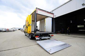 UNI CARGO OPEN BOX za prevoz pića, sa utovarnom rampom i klapnom 3
