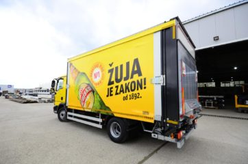 UNI CARGO OPEN BOX za prevoz pića, sa utovarnom rampom i klapnom 6