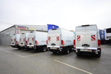 UNIVANS flota kombi vozila sa ugrađenim rampama