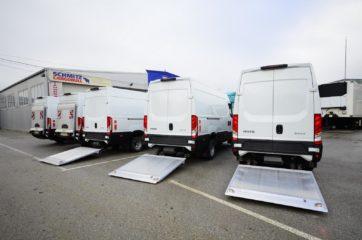 UNIVANS flota kombi vozila sa ugrađenim utovarnim rampama