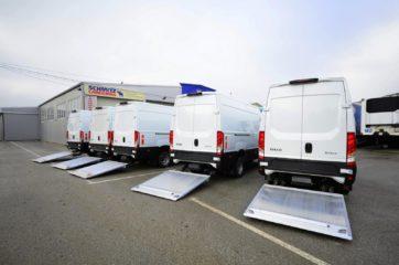 UNIVANS flota kombi vozila sa ugrađenim rampama Dhollandia