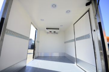 UNIC komora za utovar 5N2, sa bočnim vratima sa obe strane, DH rampom i klapnom 04