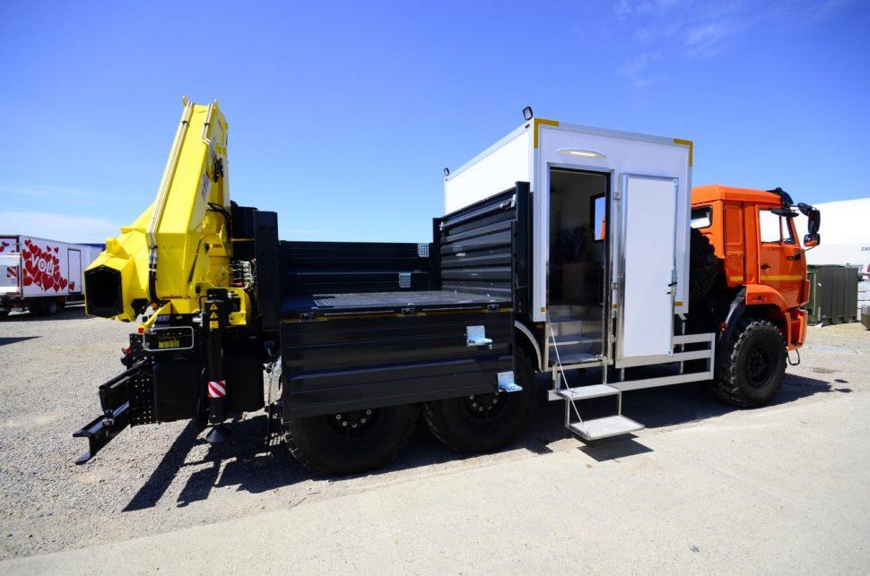 Nadogradnja za prevoz rudara sa tovarnim sandukom i Hyva dizalicom 9