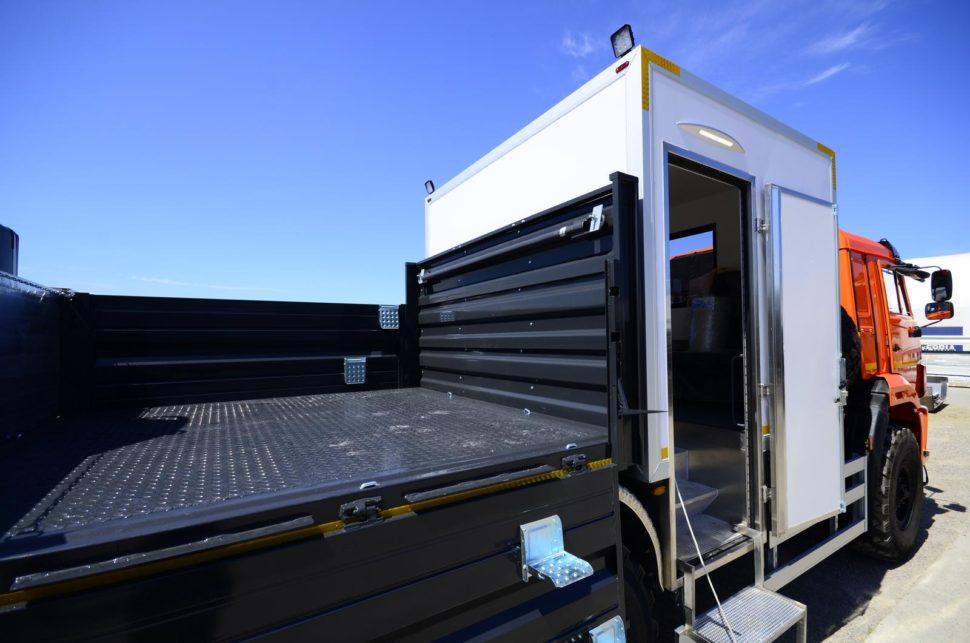 Nadogradnja za prevoz rudara sa tovarnim sandukom i Hyva dizalicom 11