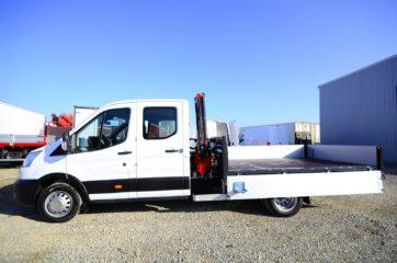 UNI CARGO tovarni sanduk sa aluminijumskim stranicama i hidrauličnom mikro dizalicom Fassi 2
