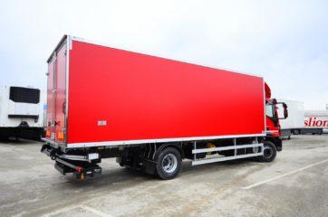 UNIC nadogradnja sa BAR cargolift rampom za prevoz životnih namirnica 3