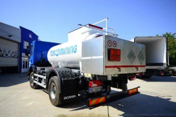 UNI CARGO cisterna V-5000l za prevoz naftnih derivata sa digitalnom mernom opremom SAMPI 2
