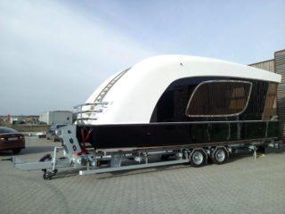 Prikolica O3 kategorije za prevoz broda sa električnim vitlom 7