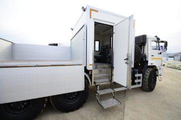UNIC nadogradnja za prevoz rudara sa HYVA dizalicom 4