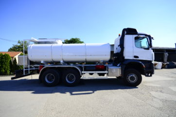 UNI CARGO cisterna V-15000l za prevoz naftnih derivata sa mehaničkom mernom opremom SAMPI 2